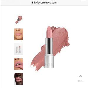 Makeup - Kylie Jenner infatuation crème lipstick